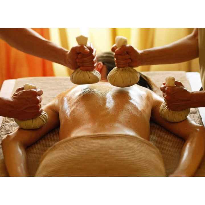 Купить подарочный сертификат на тайский массаж тела горячими травами в 4 руки