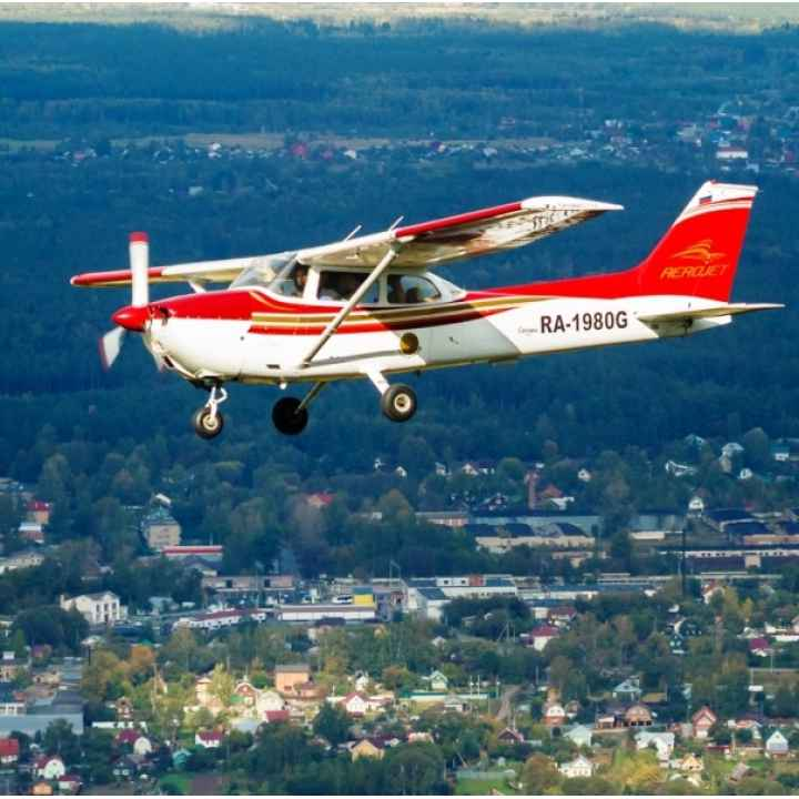 Урок пилотирования самолета Cessna-172