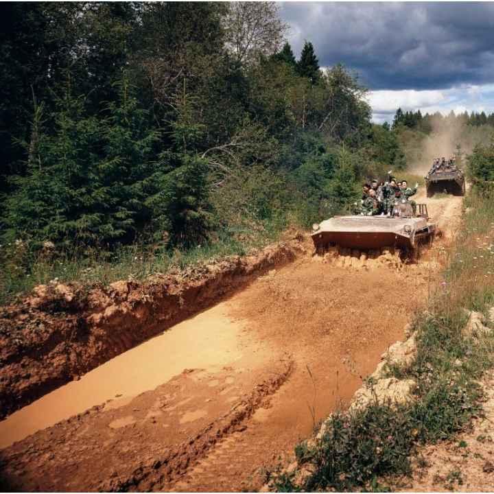 Экскурсия на танковый полигон и катание на БМП