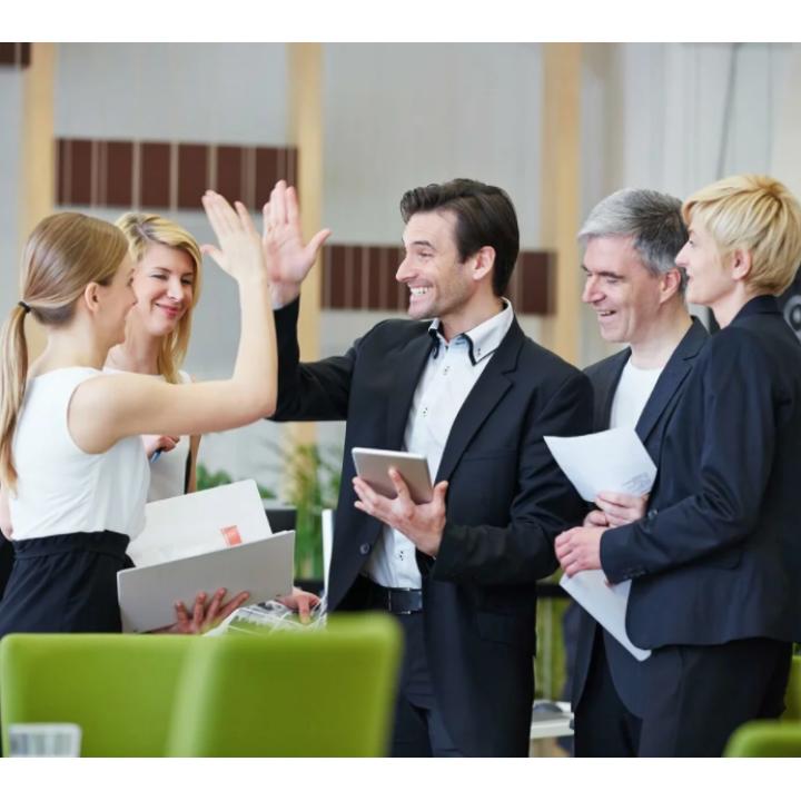 Подарочные сертификаты коллегам с выбором услуг (действует 1 год)