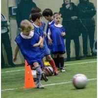 Тренировка в футбольной школе