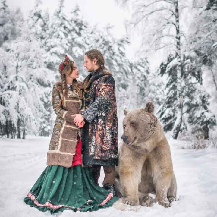 Подарочный сертификат на фотосессию с большим медведем