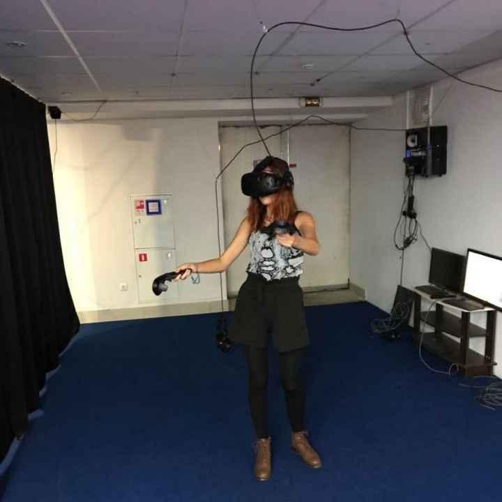 Погружение с помощью шлема в виртуальную реальность