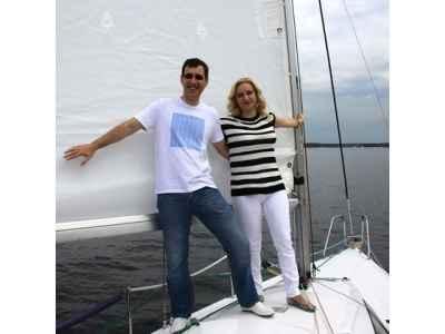 Вдвоем на парусной яхте