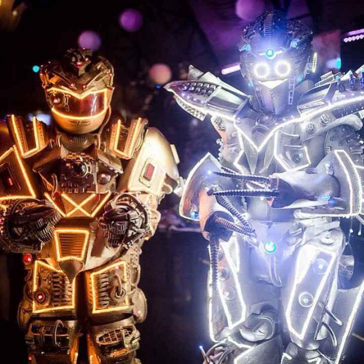 Заказать выступление артистов шоу живых роботов