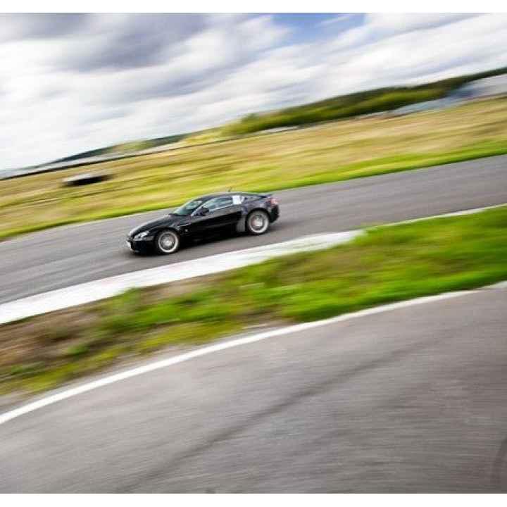Купить вводный курс экстремального вождения на своей машине