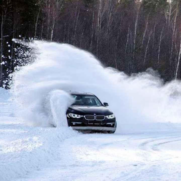 Обучение зимнему вождению задне-приводного автомобиля с АКПП