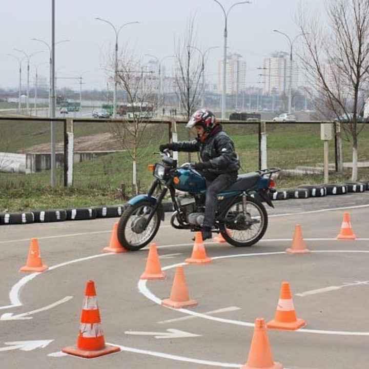 """Подарочный сертификат """"Урок на мотоцикле для сдачи экзамена в ГИБДД"""""""