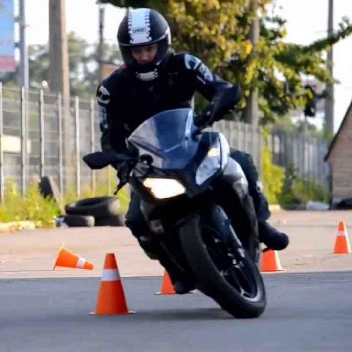 Подарочный сертификат «Урок езды на мотоцикле для новичков»