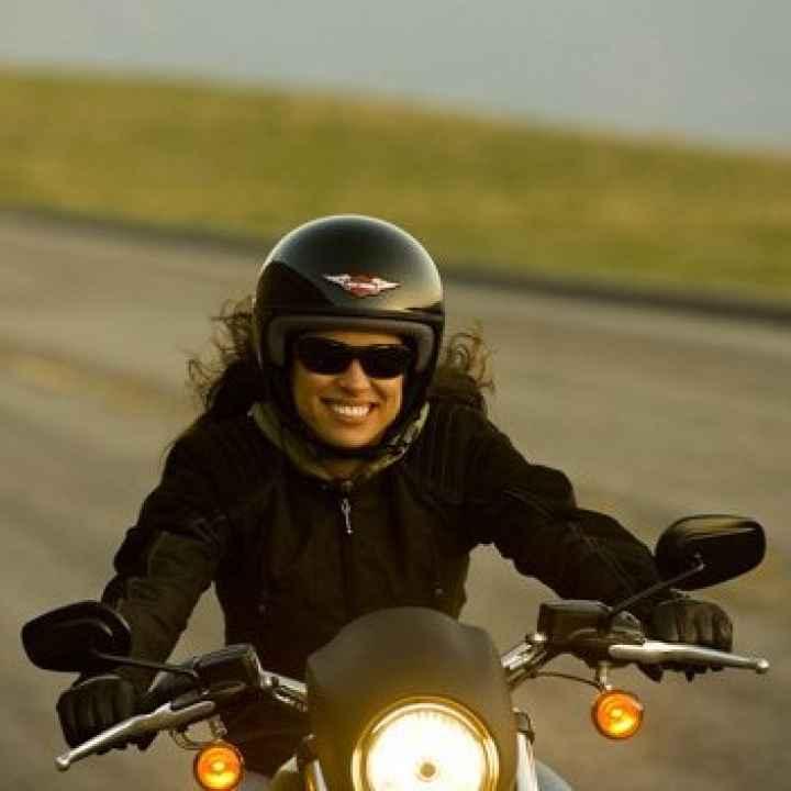 Уроки вождения на мотоцикле с инструктором женщиной
