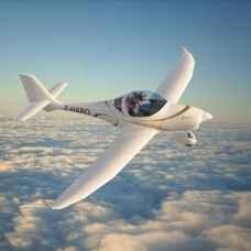 Управление самолетом Aquila A 210