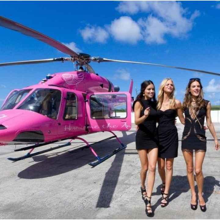 Полет на вертолете к празднику 8 марта