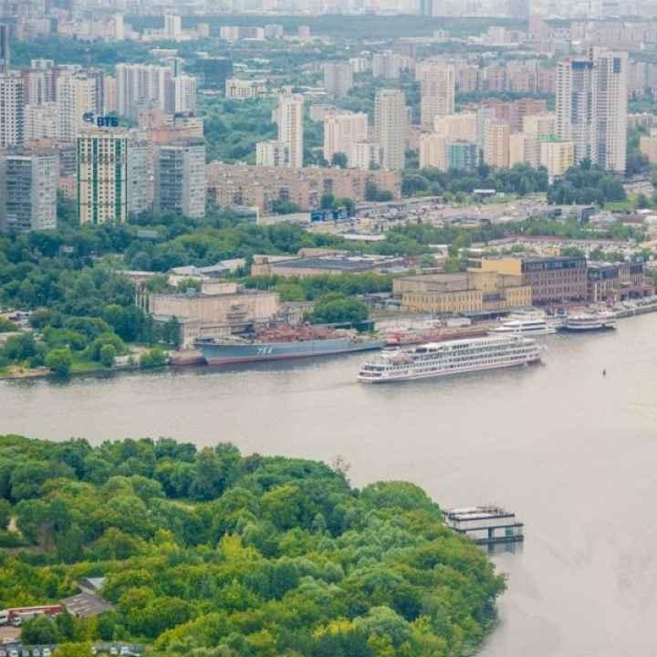 Экскурсия на вертолёте Robinson для троих «Вокруг Москвы»