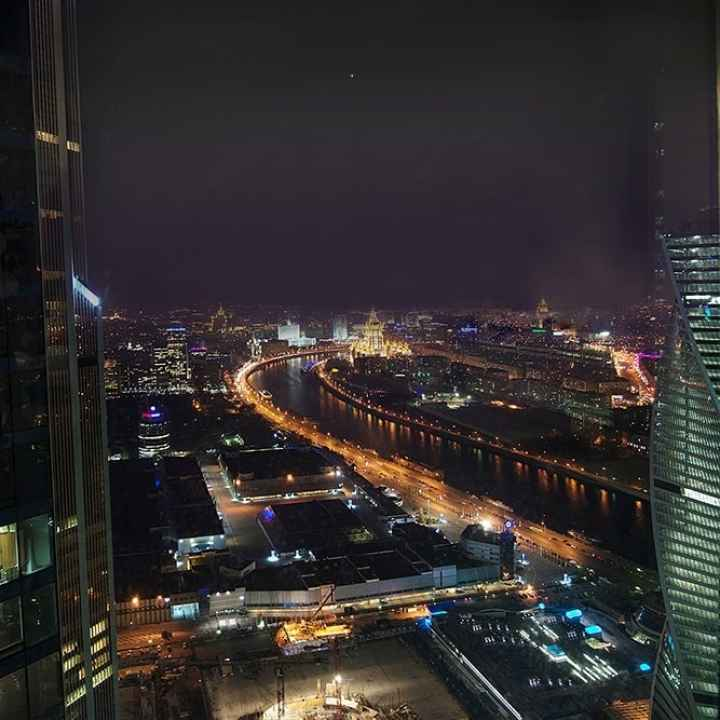 Необычное свидание в небоскребе Москва-Сити